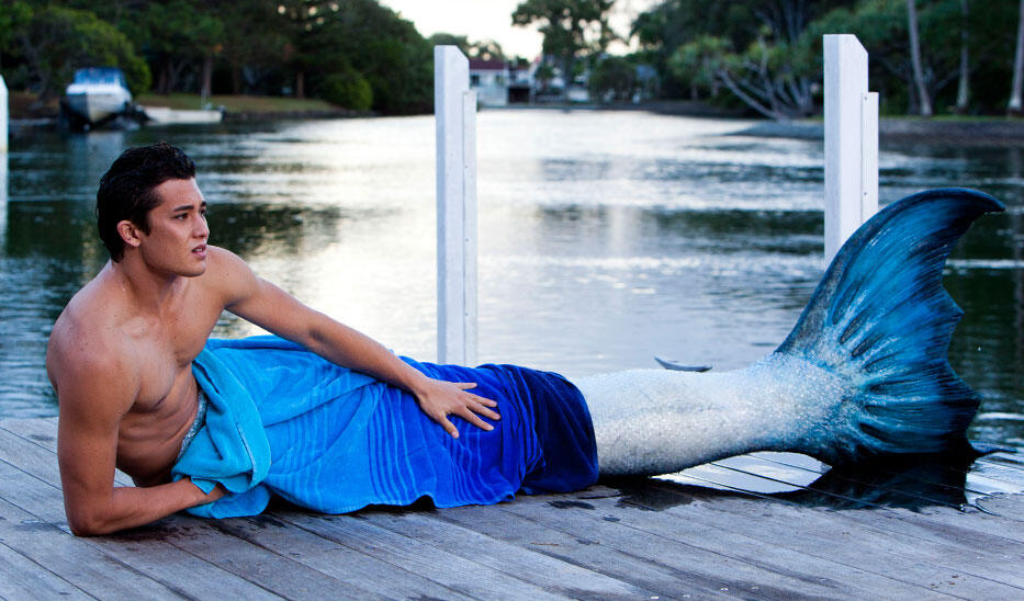 zac-becomes-a-merman-mako-mermaids