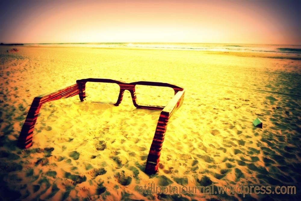 I Sea, Giuseppe Filardo. Someone's always forgetting their sunnies at the beach...