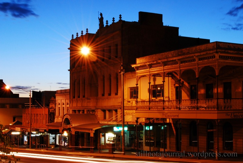 The eastern end of Sturt Street just before dawn. It's already 29C.