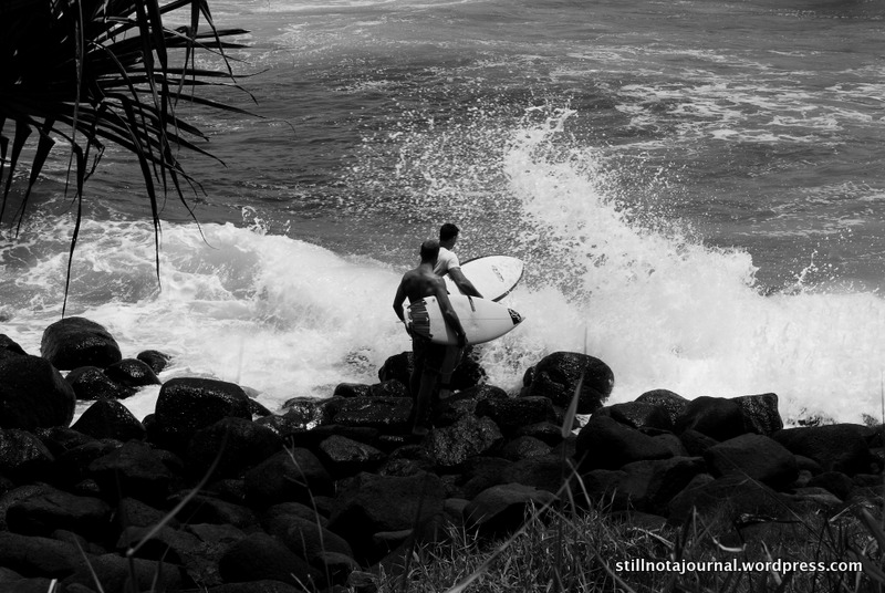 13 Surfers Burleigh Point rocks